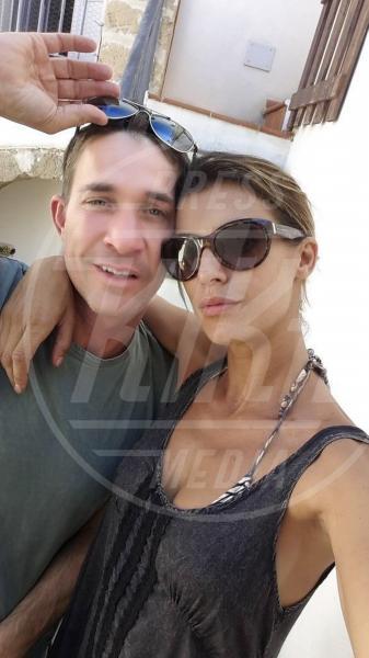 Brian Perri, Elisabetta Canalis - Alghero - 16-09-2014 - Elisabetta Canalis: imbronciata per le nozze annullate