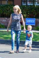 Xander Dane Jones, January Jones - Los Angeles - 17-09-2014 - Ecco le celebrity che fanno uno strappo alla regola… dei jeans