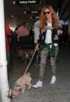 Bella Thorne - Los Angeles - 21-09-2014 - In carrozza! Anche il viaggio ha il suo dress code