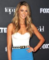 Jennifer Hawkins - Sydney - 02-10-2014 - Top Crop & company: pancini al vento sul red carpet