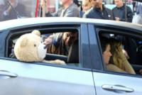 Amanda Seyfried, Mark Wahlberg - New York - 06-10-2014 - Amanda Seyfried al volante con un orsetto molesto!