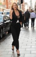 Kate Moss - Londra - 08-10-2014 - Questo autunno copriamoci, ma sveliamo le caviglie