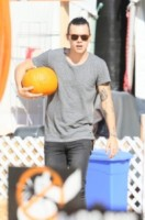 Harry Styles - Los Angeles - 08-10-2014 - Harry Styles si prepara per Halloween insieme a Erin Foster