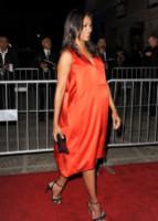 Zoe Saldana - Pasadena - 10-10-2014 - Pancione in vista per la bellissima Zoe Saldana