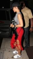 Rihanna - Los Angeles - 12-10-2014 - Se non sai come dirlo… dillo con una borsa!