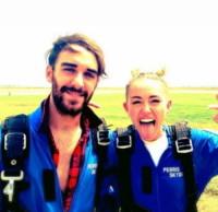 Cheyne Thomas, Miley Cyrus - Los Angeles - 16-10-2014 - Ma quali hacker, il nudo sul web glielo mette l'assistente