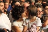 Agnese Renzi - Firenze - 18-10-2014 - Agnese Renzi, che dolcezza con la piccola Ester