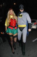 Paris Hilton - Los Angeles - 31-10-2012 - Ad Halloween le star si vestono così