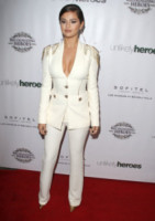 Selena Gomez - Los Angeles - 08-11-2014 - Le dive di Hollywood diventano sexy gangster