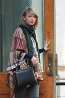Taylor Swift - New York - 14-11-2014 - Con sto freddo con sto vento, chi esce senza sciarpa?