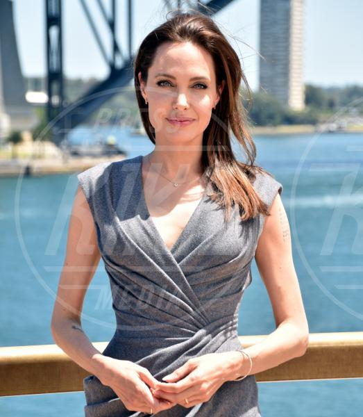 Angelina Jolie - Sydney - 18-11-2014 - Altro che perfezione! Quanti difetti fisici tra le celebrity…