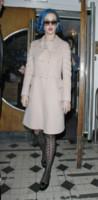 Katy Perry - Londra - 18-03-2012 - L'inverno è più romantico con il cappotto rosa!