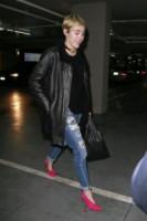Miley Cyrus - Los Angeles - 19-11-2014 - Ecco le celebrity che fanno uno strappo alla regola… dei jeans