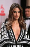 Alessandra Ambrosio - Las Vegas - 21-11-2014 - Kim Kardashian e Alessandra Ambrosio: chi lo indossa meglio?