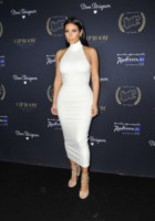 Kim Kardashian - Abu Dhabi - 23-11-2014 - Non solo LBD: oggi il tubino è anche bianco!