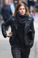 Kate Mara - New York - 25-11-2014 - Con sto freddo con sto vento, chi esce senza sciarpa?