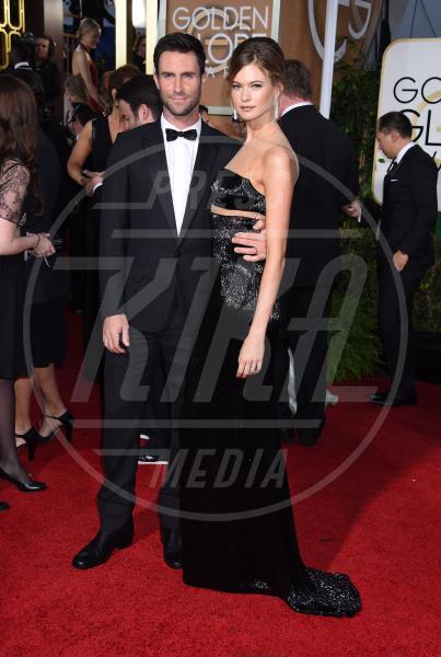 Behati Prinsloo, Adam Levine - Beverly Hills - 12-01-2015 - Golden Globe 2015: va in scena il gioco delle coppie