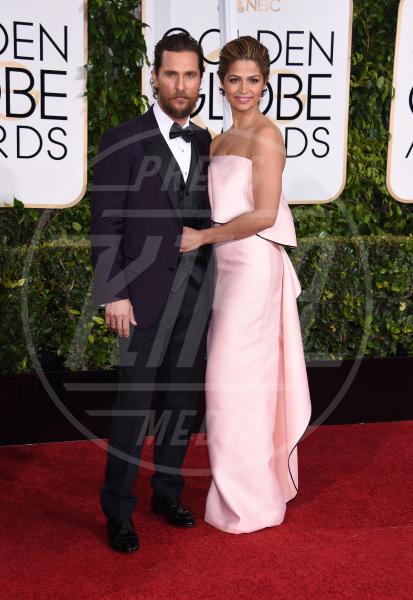 Camila Alves, Matthew McConaughey - Beverly Hills - 11-01-2015 - Golden Globe 2015: va in scena il gioco delle coppie