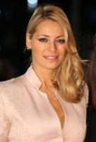 Claudia Winkleman, Tess Daly - Londra - 24-01-2013 - Frangetta addio, i capelli si portano con la riga di lato!