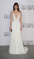 Dakota Johnson - Londra - 12-02-2015 - In primavera ed estate, le celebrity vanno in bianco!