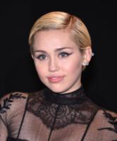 Miley Cyrus - Hollywood - 23-02-2015 - Quando le celebrity ci danno un taglio… ai capelli!