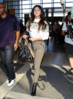 Selena Gomez - Hollywood - 09-03-2015 - In carrozza! Anche il viaggio ha il suo dress code
