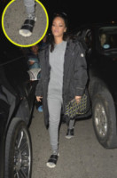Rihanna - New York - 15-03-2015 - Celebrity con i piedi per terra: W le pantofole!