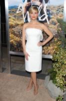 Reese Witherspoon - Los Angeles - 19-11-2014 - Non solo LBD: oggi il tubino è anche bianco!