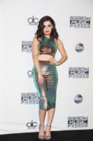 Charli XCX - Los Angeles - 23-11-2014 - Top Crop & company: pancini al vento sul red carpet
