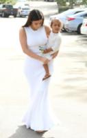 North West, Kim Kardashian - Woodland Hills - 05-04-2015 - In primavera ed estate, le celebrity vanno in bianco!