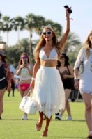 Paris Hilton - Los Angeles - 11-04-2015 - Coachella 2015, macchina del tempo fashion in stile hippie