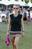 Nicky Hilton - Indio - 12-04-2015 - Coachella 2015, macchina del tempo fashion in stile hippie