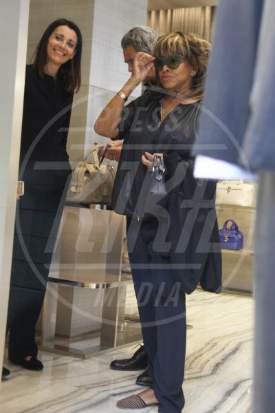 Erwin Bach, Tina Turner - Milano - 28-04-2015 - Tina Turner: shopping da Armani con il marito