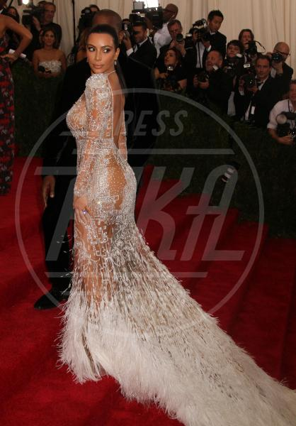 Kim Kardashian - New York - 04-05-2015 - Met Gala 2015: Vade retro abito! Le star scelgono il nude look