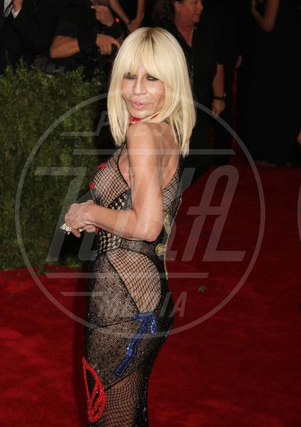 Donatella Versace - New York - 04-05-2015 - Met Gala 2015: Vade retro abito! Le star scelgono il nude look