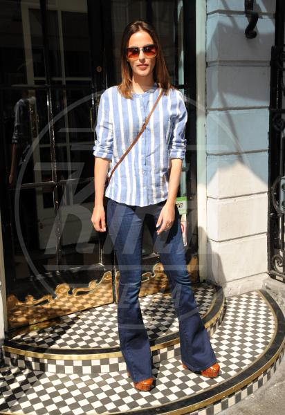 Lucy Watson - Londra - 15-04-2015 - Corsi e ricorsi fashion: dagli anni '70 ecco i pantaloni a zampa