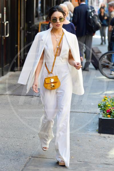 Vanessa Hudgens - New York - 19-05-2015 - In primavera ed estate, le celebrity vanno in bianco!