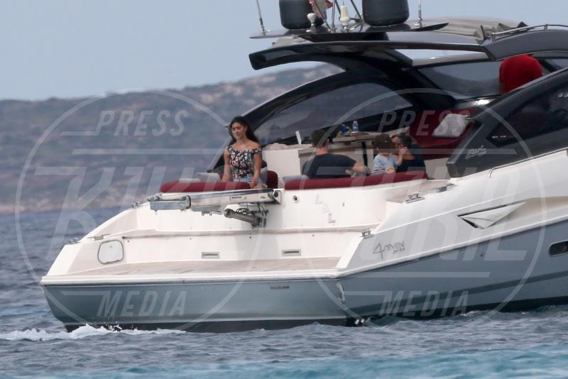 Santiago De Martino, Stefano De Martino, Belen Rodriguez - Formentera - 14-06-2015 - Belen-De Martino: fuga d'amore a Formentera