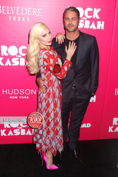 Taylor Kinney, Lady Gaga - New York - 19-10-2015 - Lady Gaga si sposa, matrimonio in Italia?