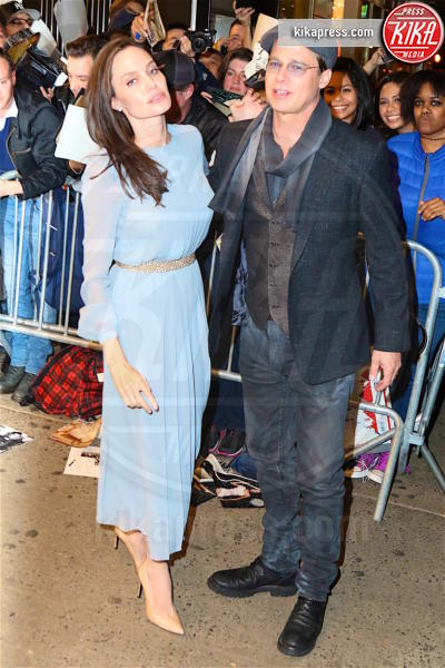 Angelina Jolie, Brad Pitt - New York - 03-11-2015 - Brad Pitt, la polizia continua a indagare per maltrattamenti