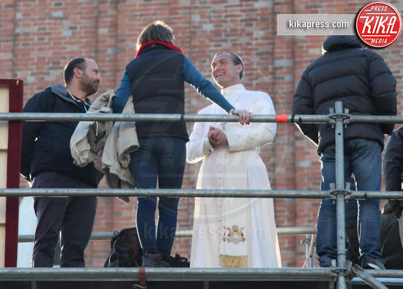 Jude Law - 12-01-2016 - The Young Pope, ciak si gira... a Venezia: le foto