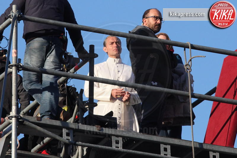 Jude Law - Venezia - 12-01-2016 - The Young Pope, ciak si gira... a Venezia: le foto