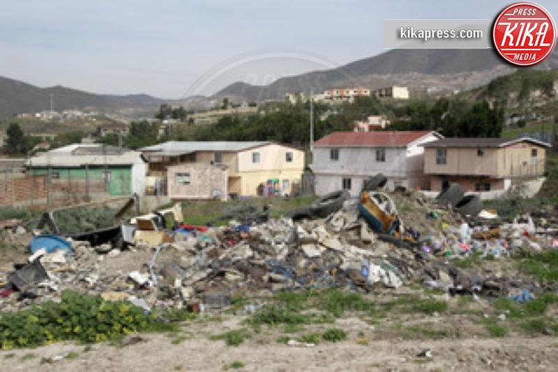 Casa Hogar Sion - Tijuana - 25-01-2011 - Jennifer Aniston, mamma adottiva per i bimbi di Tijuana