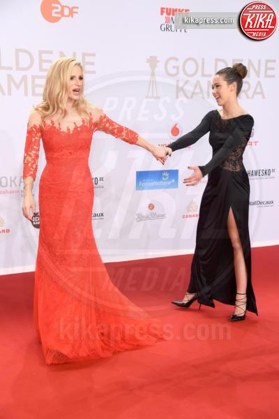 Aurora Ramazzotti, Michelle Hunziker - Amburgo - 06-02-2016 - Michelle-Aurora, che coppia ai Goldene Kamera Awards!
