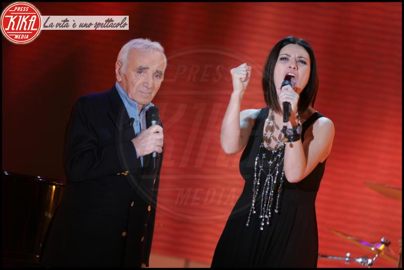 Laura Pausini, Charles Aznavour - Parigi - 14-01-2009 - Sanremo 2016: Il ritorno di Laura Pausini. Che cambiamento!