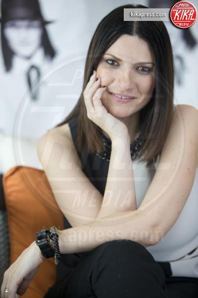 Laura Pausini - 01-01-2000 - Sanremo 2016: Il ritorno di Laura Pausini. Che cambiamento!