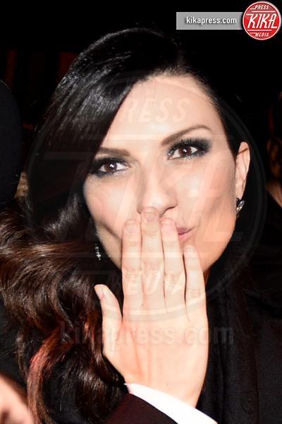 Laura Pausini - Sanremo - 09-02-2016 - Sanremo 2016: Il ritorno di Laura Pausini. Che cambiamento!
