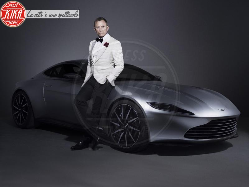 Aston Martin DB10, Daniel Craig - Londra - 06-07-2015 - Bond 25, riprese sospese! Ecco spiegato il motivo