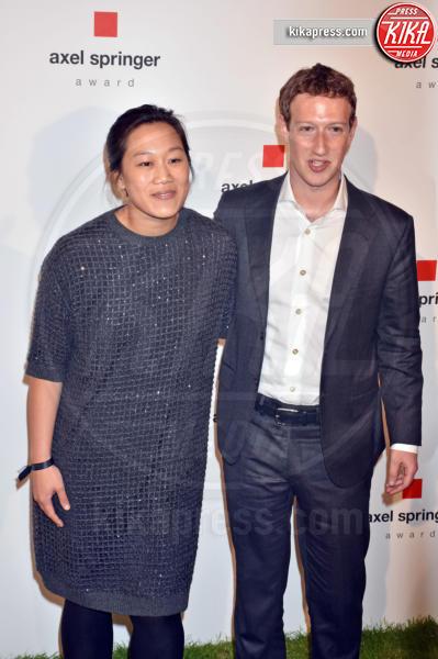 Priscilla Chan, Mark Zuckerberg - Berlino - 25-02-2016 - Mr. Facebook fa bis, Mark Zuckerberg aspetta il secondo figlio