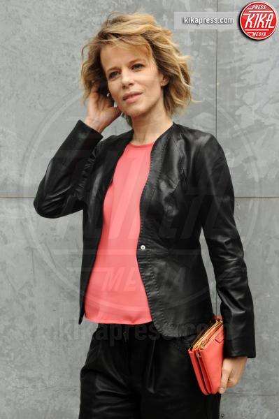 Sonia Bergamasco - Milano - 27-02-2016 - Milano Fashion Week: alla sfilata Armani è gara di bellezza